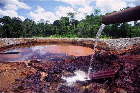 bp_ecuador_oily_water-590.jpg